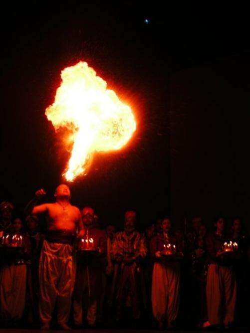 "Cracheur de feu (Yvan Rebeyrol) dans ""Si j'étais roi"" Delhi (India)"